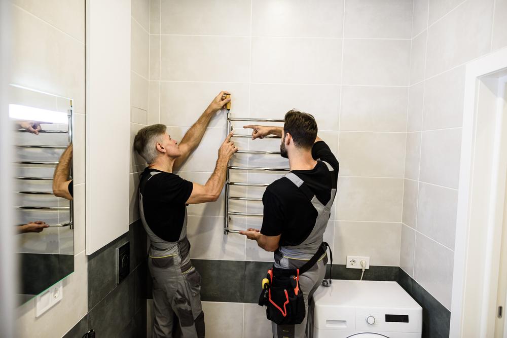 L'installation des fixations sur les murs